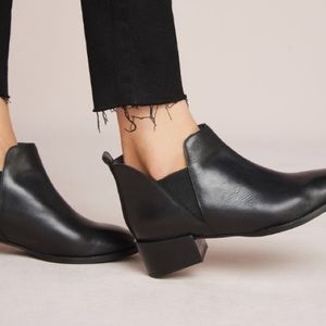 Anthropologie Seychelles leather Chelsea Boots 10